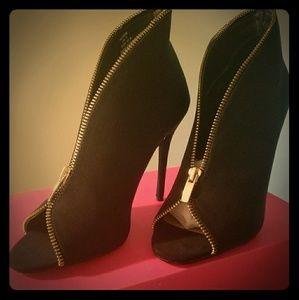 Alysse Heels